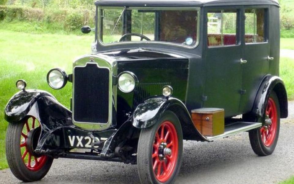 1929-rover-10-25-riviera-saloon-by-weymann