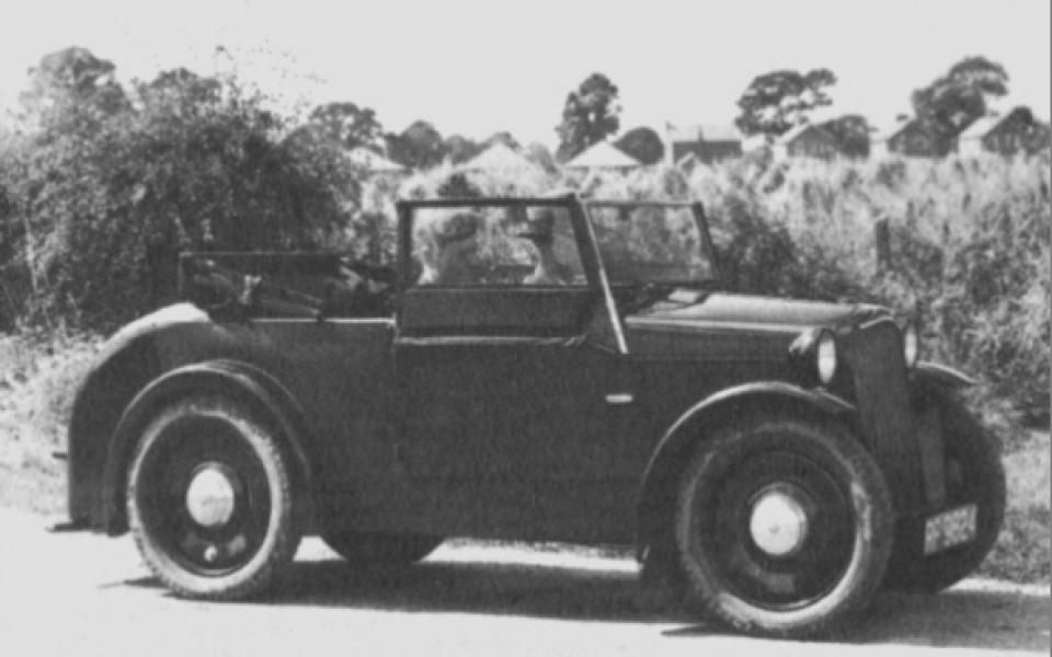 1931-rover-scarab-seitlich-96dpi