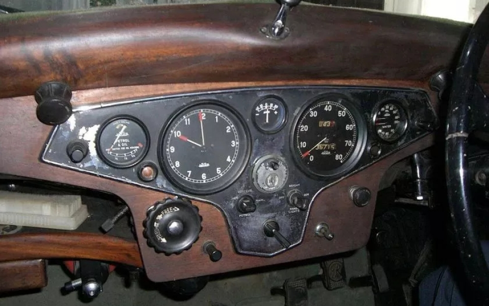 1947-rover-16-instrument-panel-an-original-condition